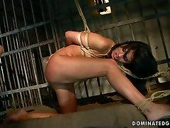 Torrid slut Sorana gives hot blowjob in hot brother skodeng sister video