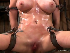 Neat bitch with well-matured tits is introduced to the world of kink