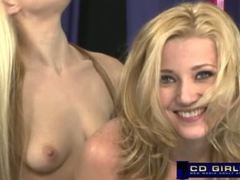 Carlie Banks sybian orgasm with help from Bella Star