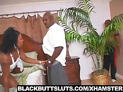 Hot Ebony darling Likes to get fucked by 2 Big dicks