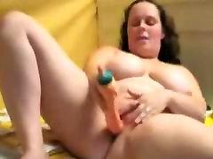 Fat girl masturbating