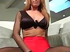Masturbation in darksome tights