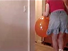 ZiPorn Movies Zoe -BUST BALLOON WITH ASS