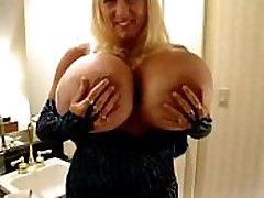 2 Las Vegas bölümünde Maxi mounds Göğüsleri