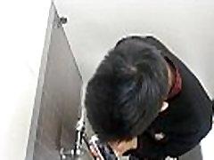 Spy Toilet Jerk Off 03 - gay-leak.blogspot.com - Spy video every day