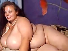 BBW Slut Goes Crazy With Sex Show - SuperJizzCams.com