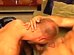 Experienced homosexual sucks wang