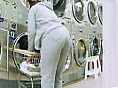 Candid Mature Ebony Juicy Booty Sweatpants VPL 2