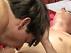 Gay porn twink fucks fat boy Nathan has a hot, toned assets and puts