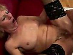 Boy cum inside mature woman ass