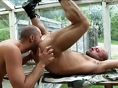 Horny Gay Bear Getting Naughty With His Sexy Gardener