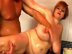 Bathing Big Tit BBWs Bounty