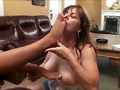 mature women lick young feet