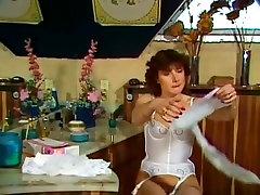 Cathy Ménard, Hélène Shirley, Mascha Mouton in vintage xxx scene