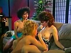 Horny Retro MILF lesbian sluts in a hot threesome porno