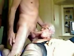 Mature slut gets boned in the tail end