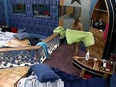 Big Brothers friend 9 usa Jen Drops Towel Flashes Cam