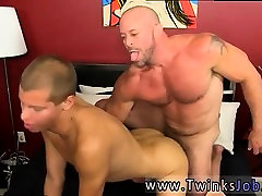 Gay cut porno Muscled hunks like Casey Williams enjoy to get