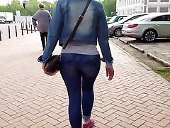 MILF with big ass on short legs