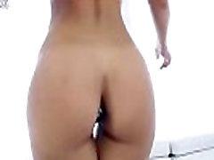 www.3movs.com---kelsi-monroe-wears-a-butt-plug-preparing-herself-for-the-anal-reaming lq