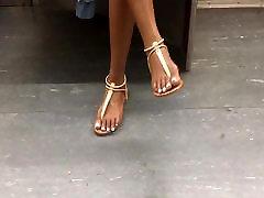 Candid Ebony teen feet on the subway