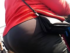 Big booty meat candids
