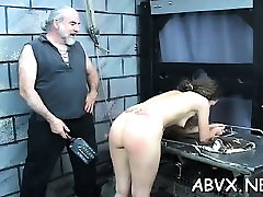 gal obtiene el bonito culo una palmada en sexy video casero