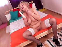 Real mature mother needs a good sex