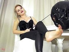 foot worship mistress