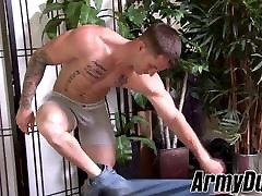 Solo bottom trooper Quentin Gainz toys his ass and wanks