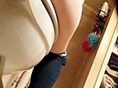 CHUBBY LATINA GIRLFRIEND TOILET PEE &amp ASSPUSSY VIEW