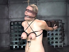 BDSM two kitchen oiledup and canned during bondage