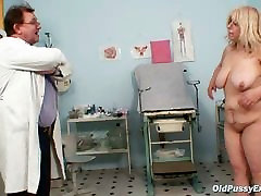 Big boobs mom gets her both holes properly checked