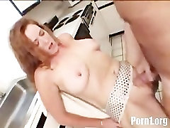 mature lady gets ass fucked