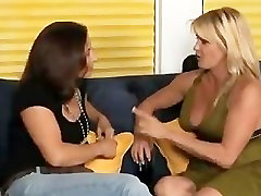 Melissa Monet & Ginger Lynn, Hot MILF Lesbians