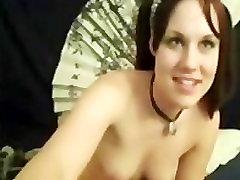 pigtailed Mariah Morris masturbating in from of the webcam