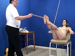 Feet whipping bondage and foot fetish of amateur di tanto tempo slave