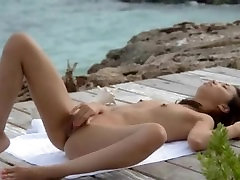 ultra hot asian pose pussy