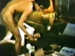 Peepshow Loops 64 70s and 80s - Scene 1