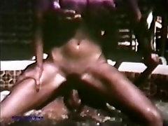 Peepshow Loops 58 70s and 80s - Scene 1