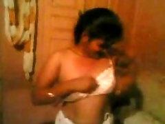 indian bhabhi boobs show