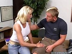 Good girl gives good handjob