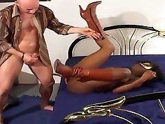 FRENCH BLACK GIRL ANAL PAIN