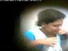 Indian Guy Sucks indian desi indian cumshots