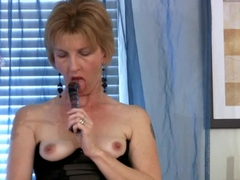 Hot housewife doggystyle spread
