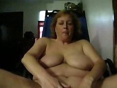 Fat girl masterbates for the camera