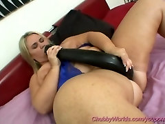 fat babe playing with monster dildo
