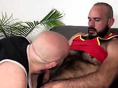 Superchub bear assfucked by mature on couch