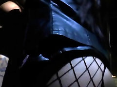 Dominating bdsm lezzie makes non eat her