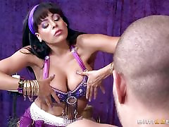 Fortune teller Luna Star can see fucking in her future